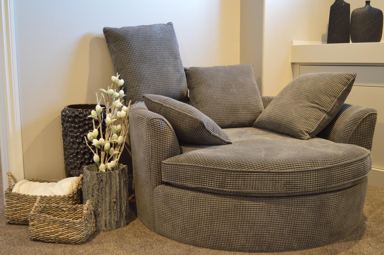 Fotele do salonu, które musisz mieć w domu!